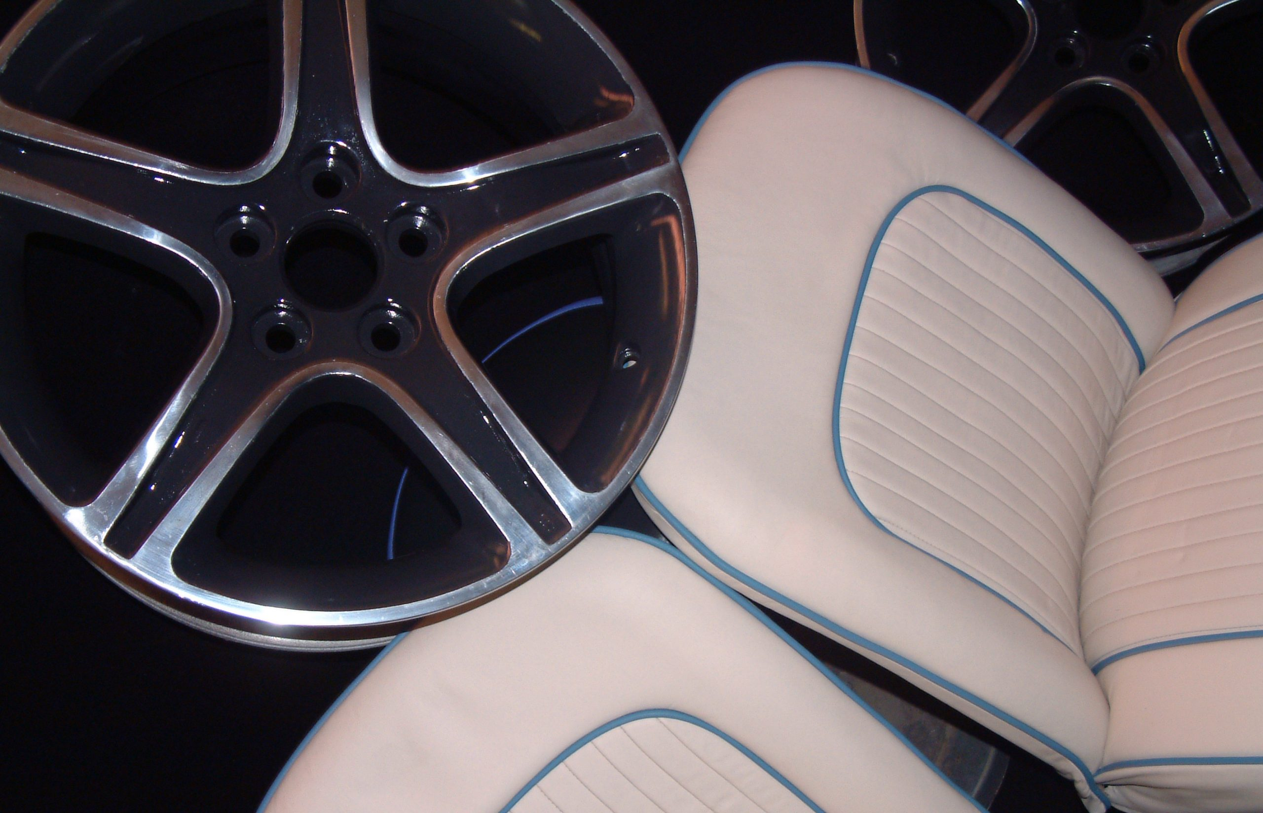 White+leather+and+blue+pipe+car+seat+upholstery